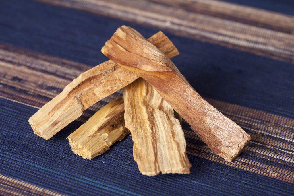 palo santo wood smudging